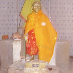 Sadhgurunathar  Jeeva Sannidhanam - The Saint who has not given his physical body to the earth - a light body saint