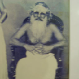 Swami Krishnanandhar Split Body Saint